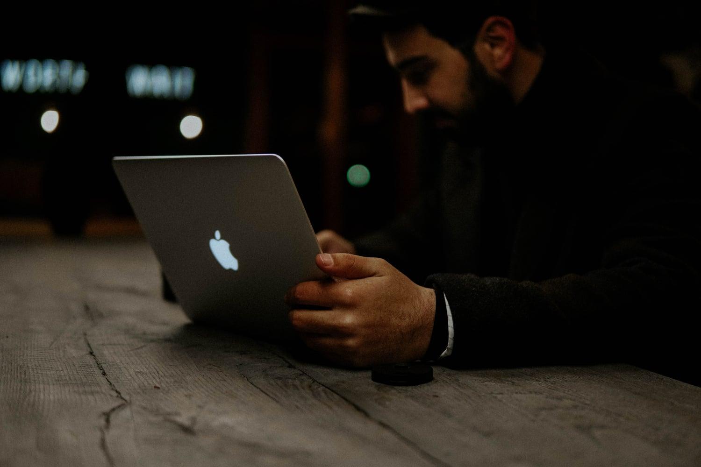 Nie tylko iPhone'y - modemy 5G pojawią się również w MacBookach