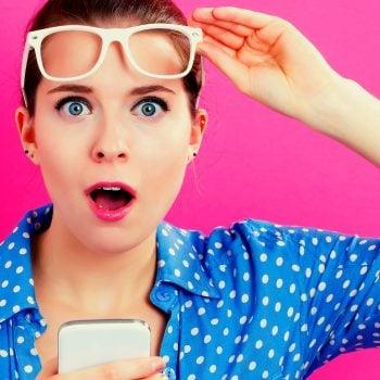 wow zdziwienie zaskoczenie niespodzianka smartfon