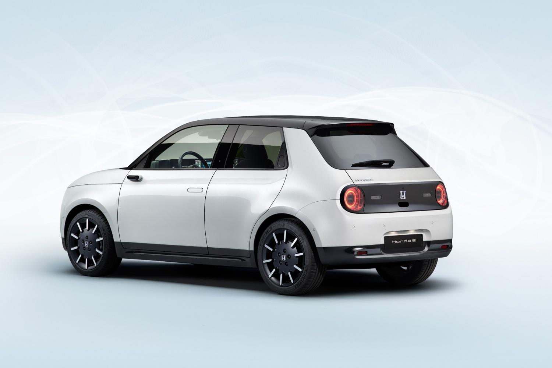 Elektryczna Honda e w wersji produkcyjnej prezentuje się naprawdę ciekawie
