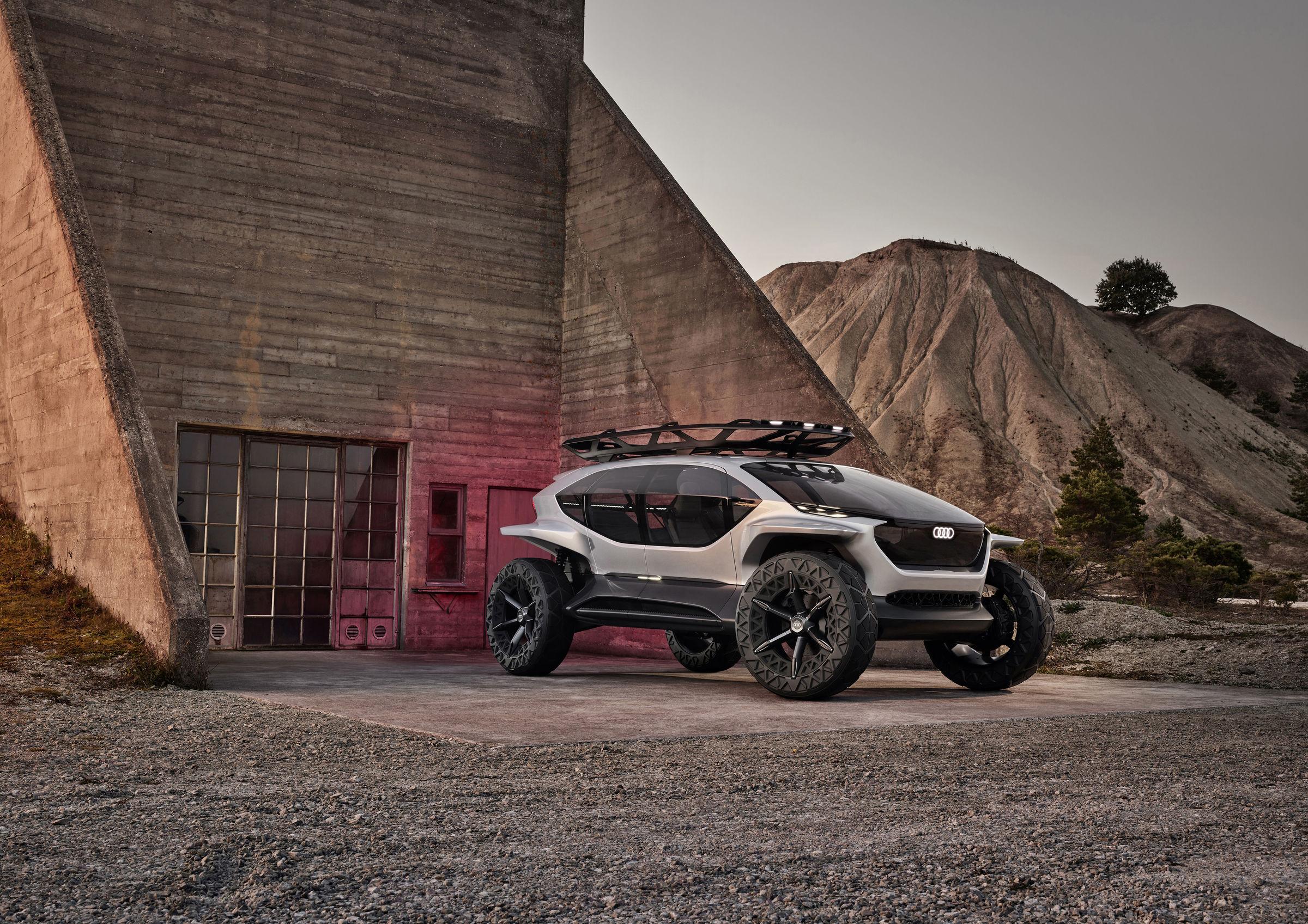 Audi AI:TRAIL - elektryczna terenówka z dronami zamiast świateł 25