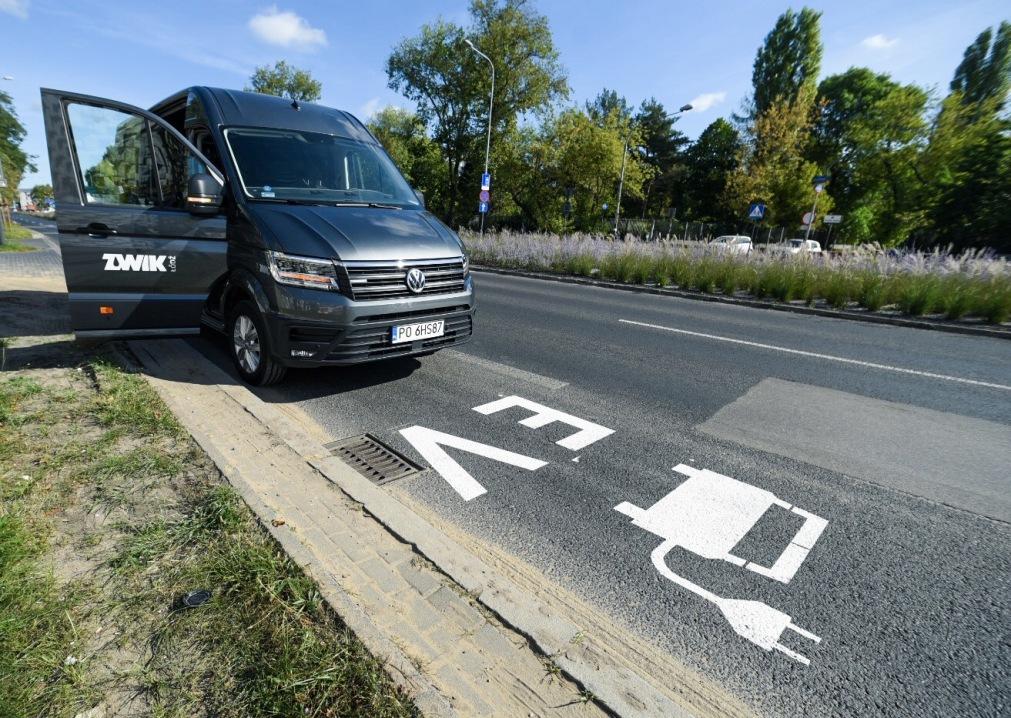 Buspasy także dla elektryków – wreszcie sensowne oznakowania