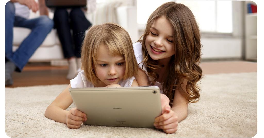 Ministerstwo Edukacji Narodowej planuje przekazać uczniom 60 tysięcy tabletów do nauki zdalnej