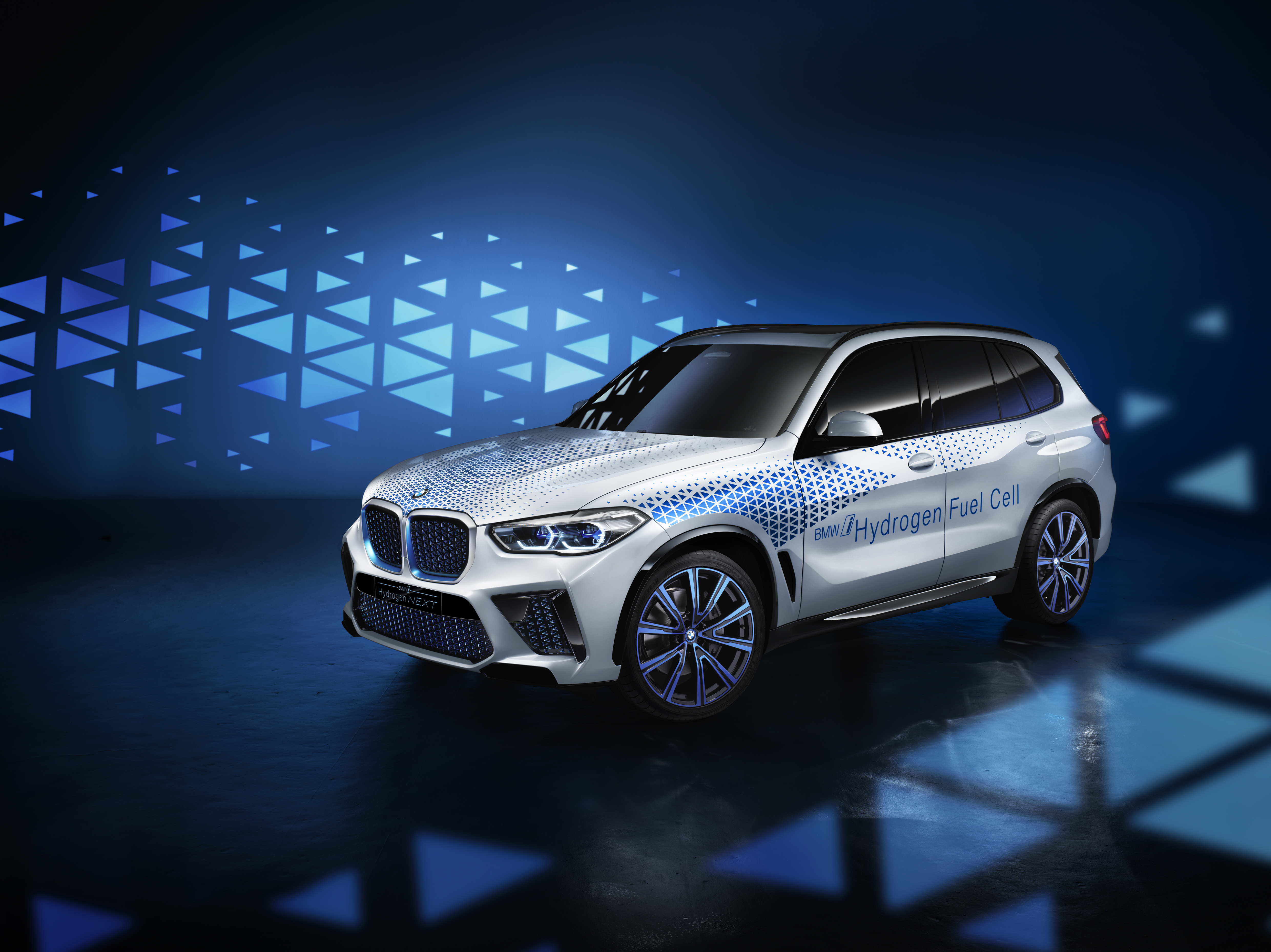 """Napędzany wodorowymi ogniwami BMW """"i Hydrogen NEXT"""" to konkurent dla samochodów elektrycznych"""