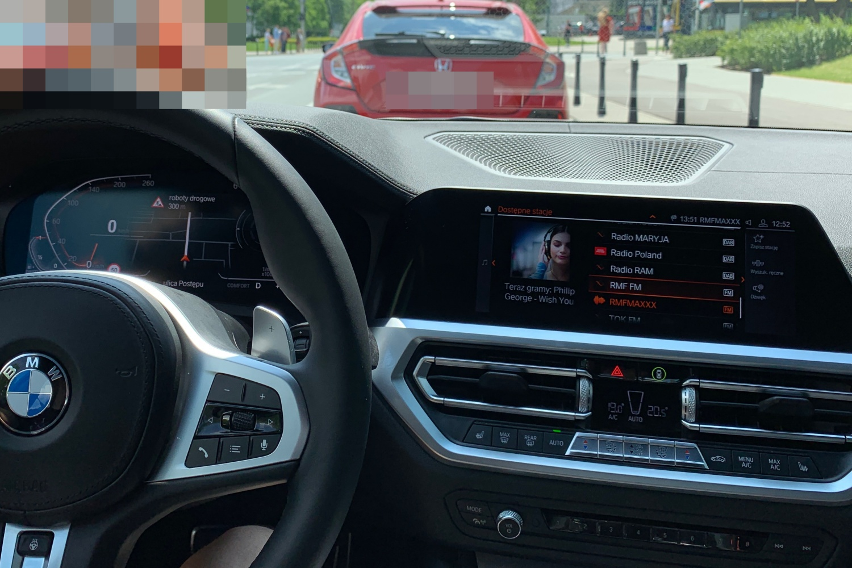 Funkcja podwójnego ekranu w Apple CarPlay nie działa w żadnym samochodzie