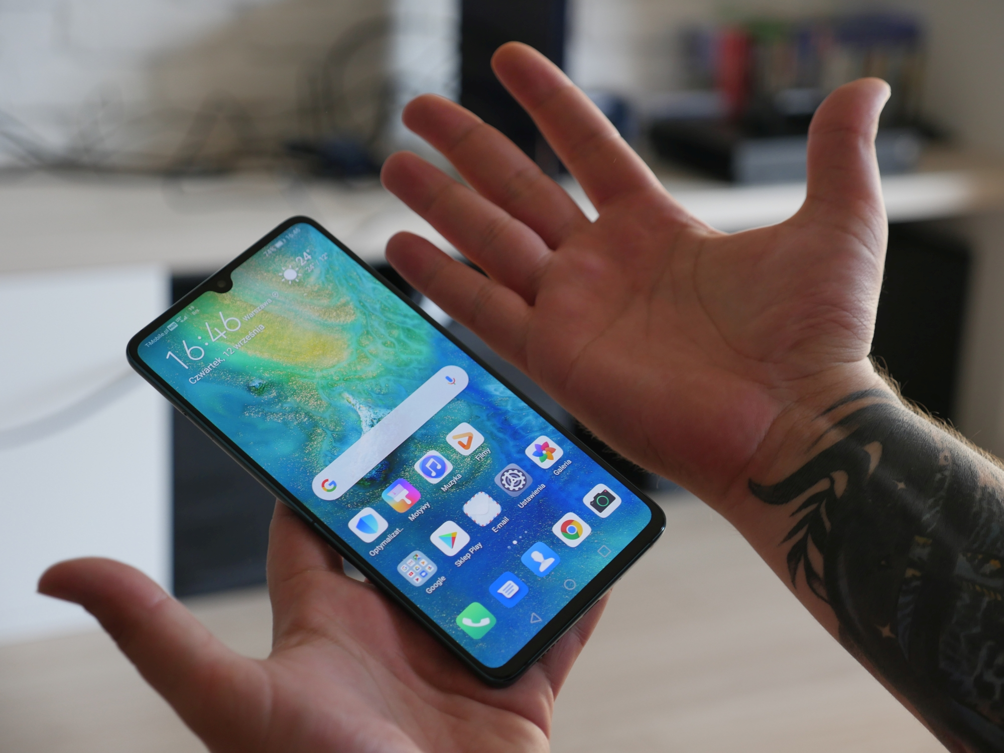 Sieć 5G Polsce: jeśli Huawei zostanie odsunięte od rozbudowy, ceny za usługi operatorów wzrosną