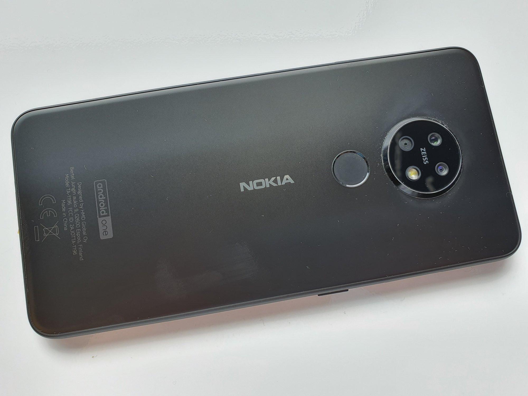 Jaki smartfon do 1300 złotych warto kupić? Tegoroczne modele przodują 27