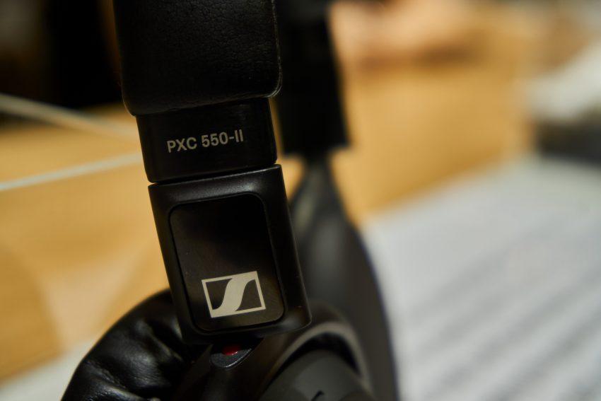 Sennheiser PXC 550-II, czyli jak odświeżyć słuchawki, zachowując stare standardy