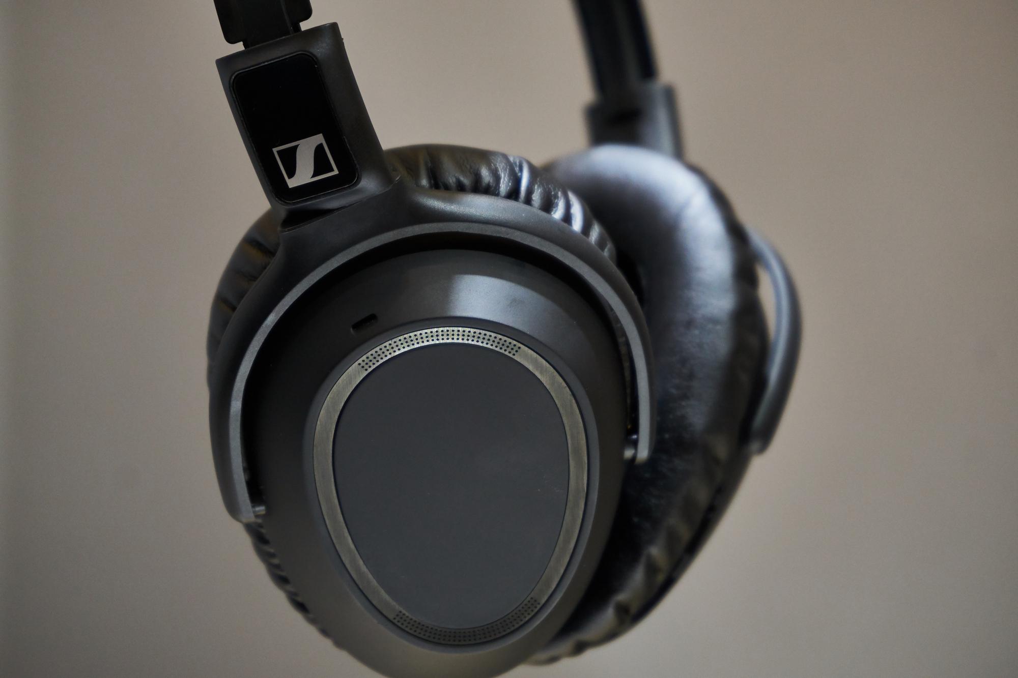 Sennheiser PXC 550-II, czyli jak odświeżyć słuchawki, zachowując stare standardy 23