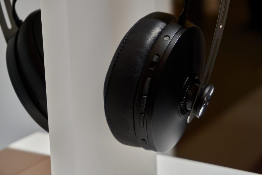 Sennheiser PXC 550-II, czyli jak odświeżyć słuchawki, zachowując stare standardy 24