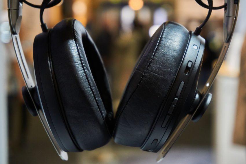 Sennheiser PXC 550-II, czyli jak odświeżyć słuchawki, zachowując stare standardy 26