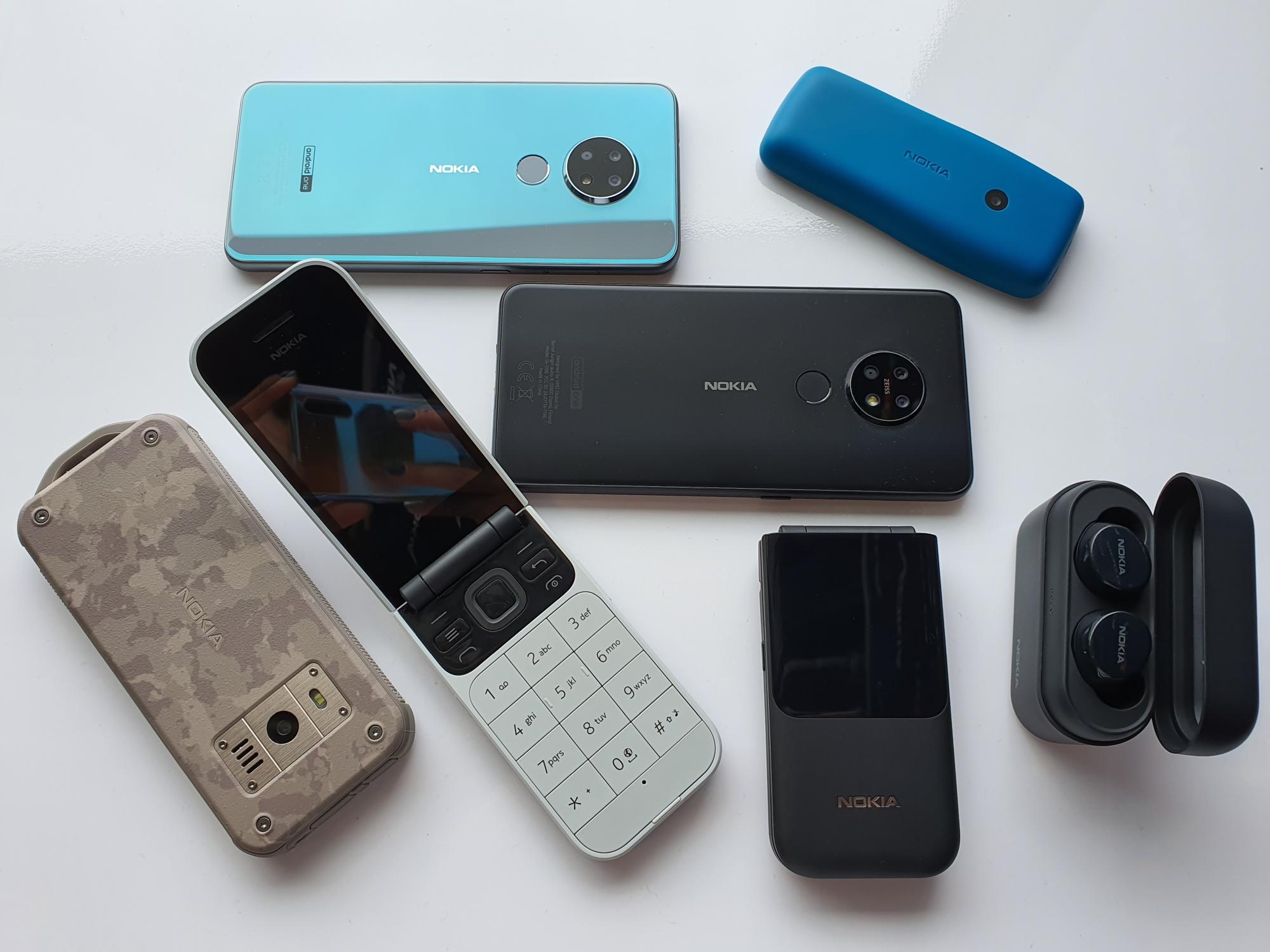 Sprzedaż smartfonów Nokia ostro pikuje. Klasycznych telefonów tak samo 26