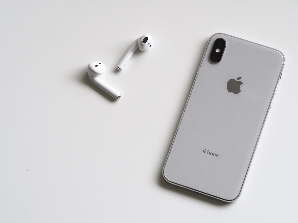 iPhone X i AirPods