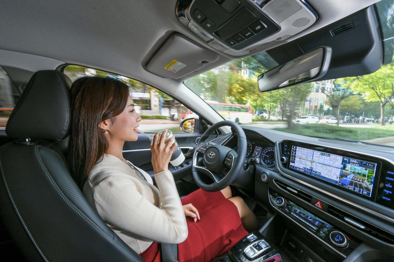 Hyundai pochwalił się tempomatem z funkcjąuczenia maszynowego
