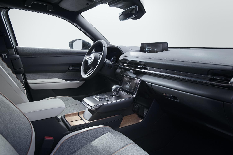 Mazda MX-30 – pierwszy elektryk w ofercie producenta. Poznaliśmy zasięg i cenę 17