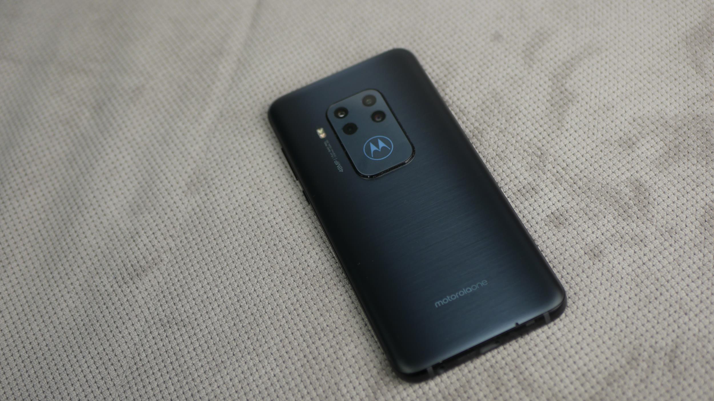 Recenzja Motorola One Zoom - solidna propozycja ze średniej półki! 21