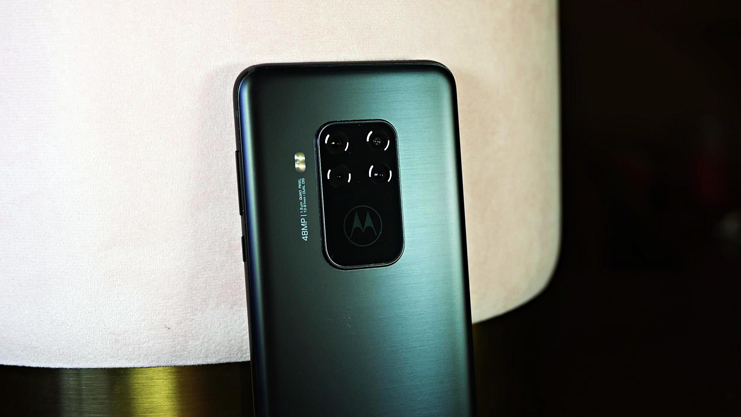 Najlepsze smartfony ze średniej półki cenowej A.D.2019 18