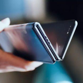 prototyp składanego smartfona TCL
