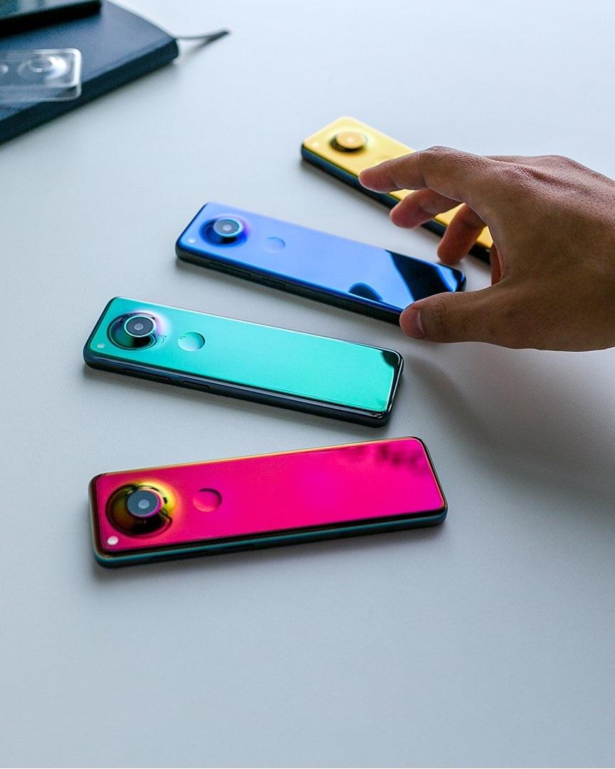 Nie wiem, co miał w głowie Andy Rubin, wymyślając tego superwąskiego smartfona