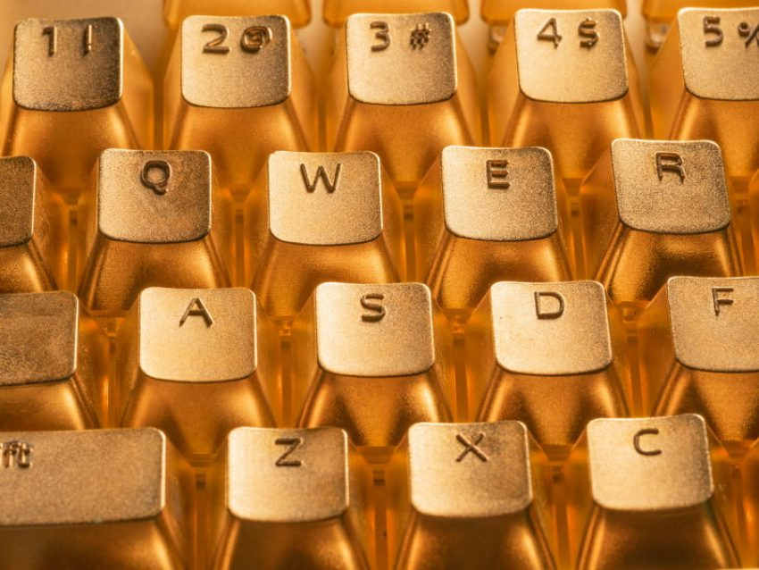XPG Golden Summoner na bogato, czyli klawiatura pokryta 24-karatowym złotem