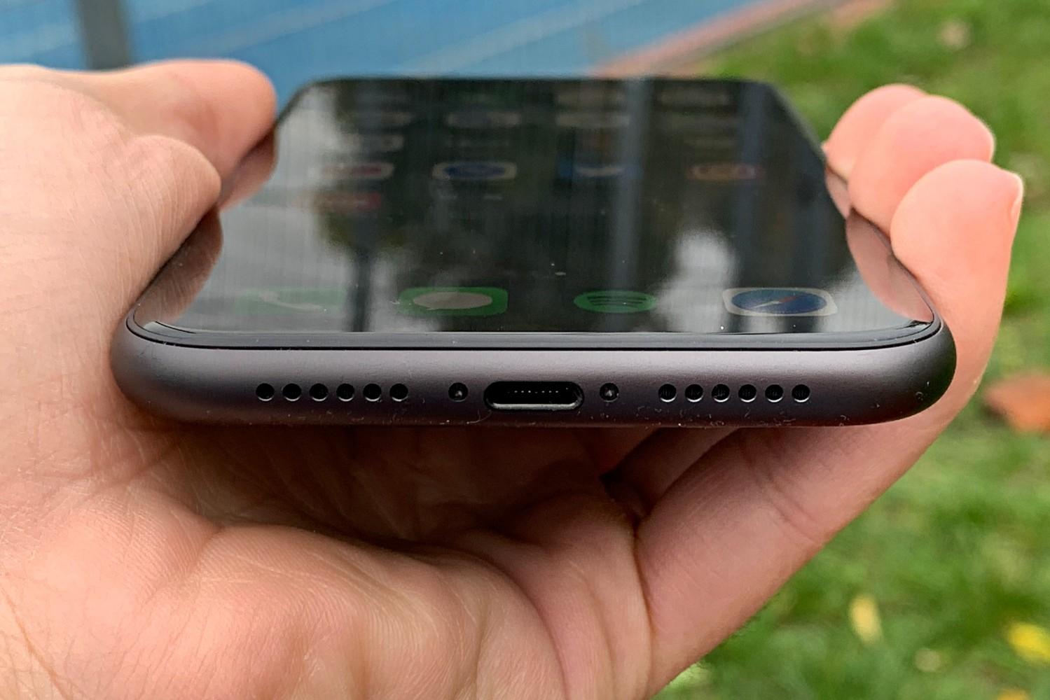 Jaki smartfon do 3500 złotych warto kupić? 21 smartfon