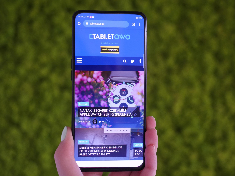 Oppo pokazało nowy smartfon z aparatem pod ekranem 25