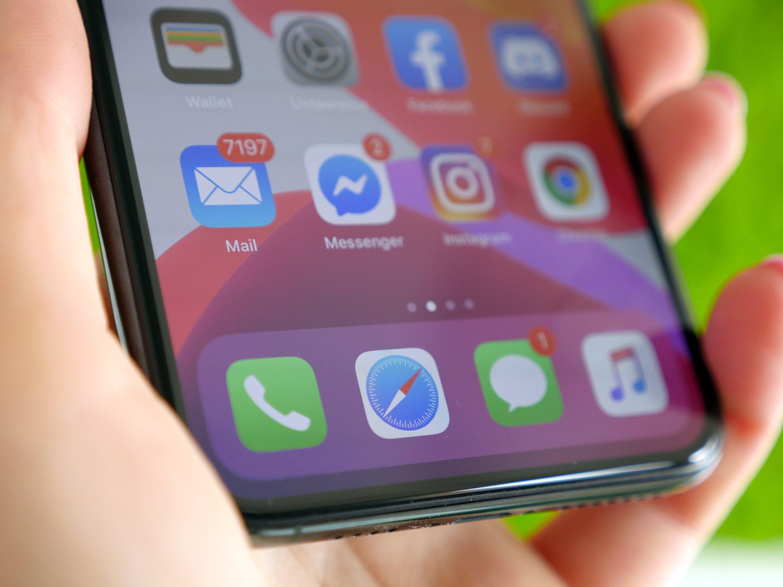 Brzydkie i drogie etui Apple Smart Battery Case do nowych iPhone'ów już dostępne 22