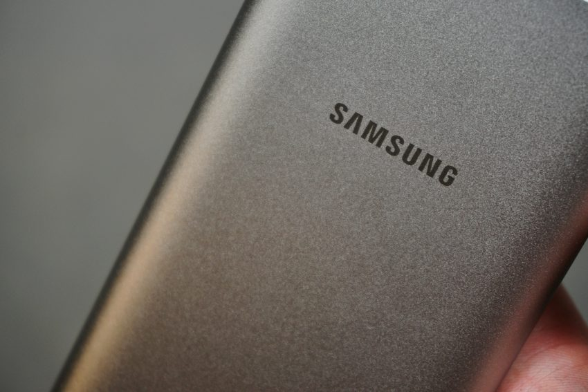 Recenzja Samsung Wireless Battery Pack - świetnie wykonanego powerbanku indukcyjnego 27 Samsung Wireless Battery Pack