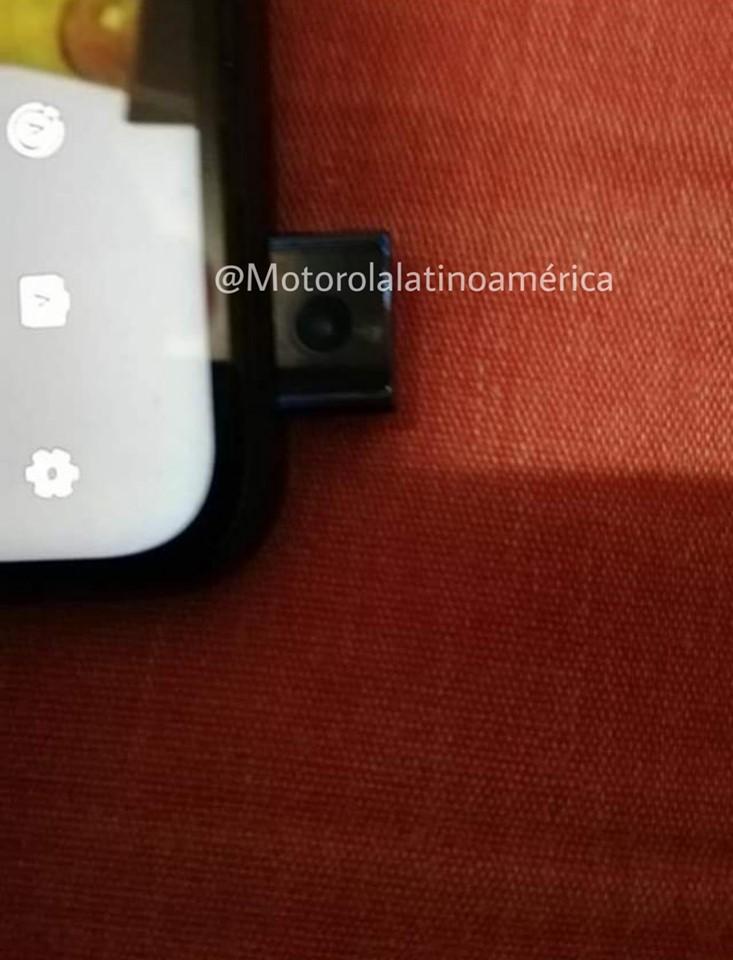 Nowa Motorola zaskakuje swoim wyglądem 20