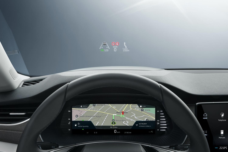 Nowa Skoda Octavia – duże ekrany, eSIM i długa lista systemów wsparcia