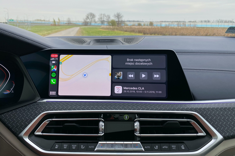 Podłączenie iPhonea do samochodu