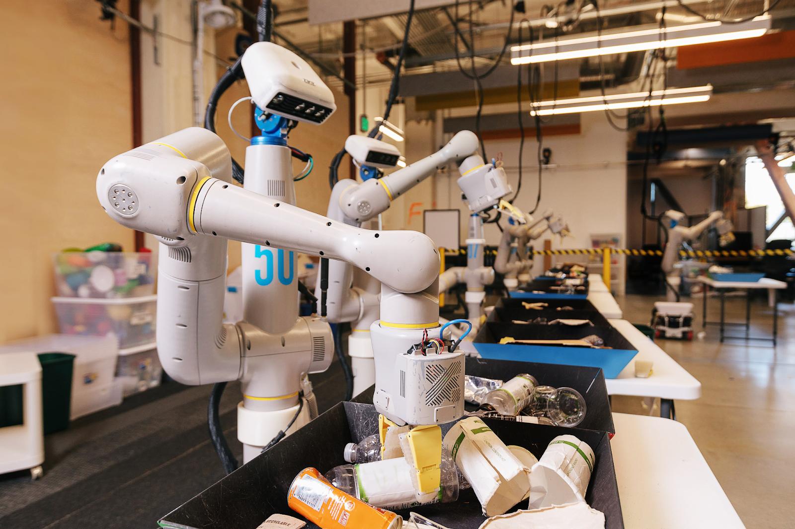 Alphabet eksperymentuje z robotami. Ten tutaj ma podobne zadania jak WALL-E 20