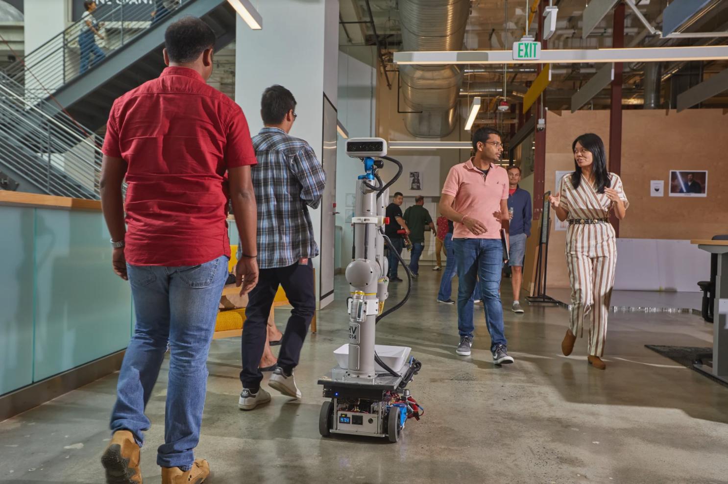 Alphabet eksperymentuje z robotami. Ten tutaj ma podobne zadania jak WALL-E 19
