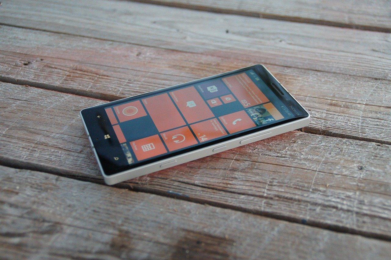 Bill Gates spowiada się z porażki Windows Mobile. Miał już na oku kontrakt z Motorolą 19