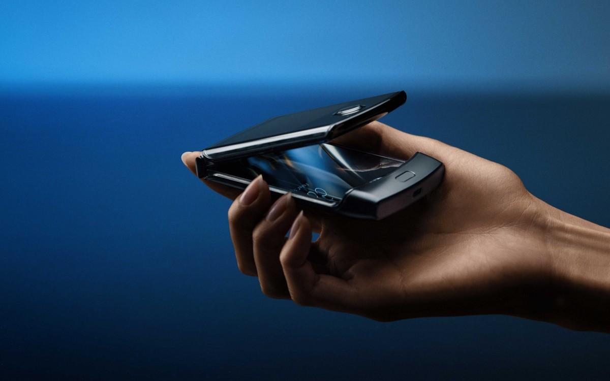 Motorola RAZR może nie wytrzymać roku intensywnego użytkowania