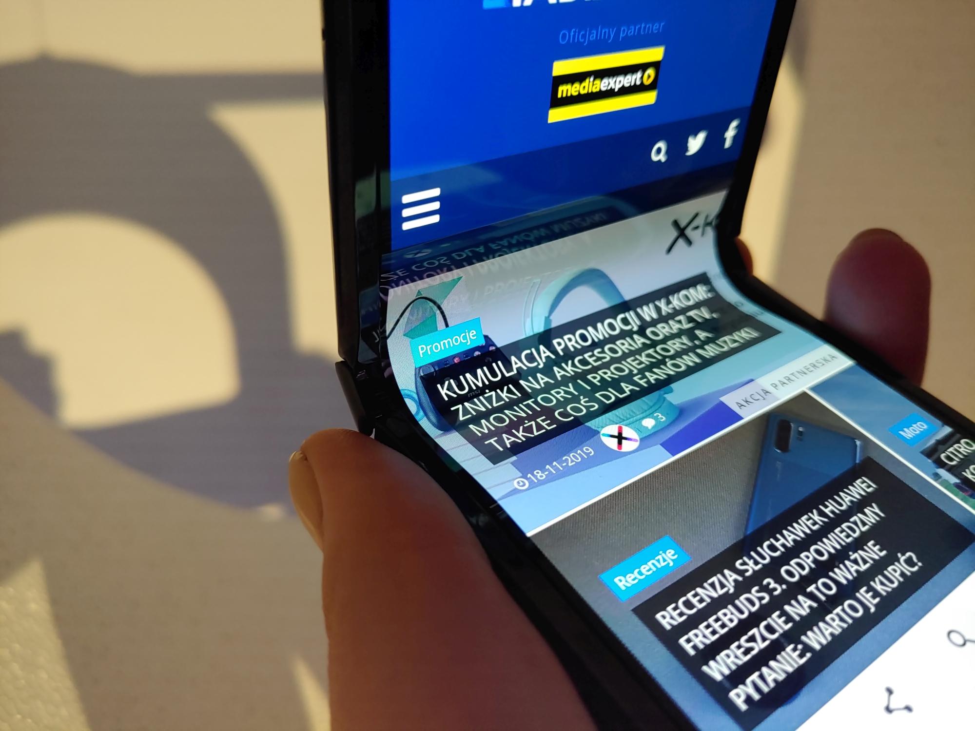 składany smartfon Motorola RAZR