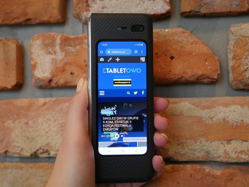 składany smartfon Samsung Galaxy Fold foldable smartphone