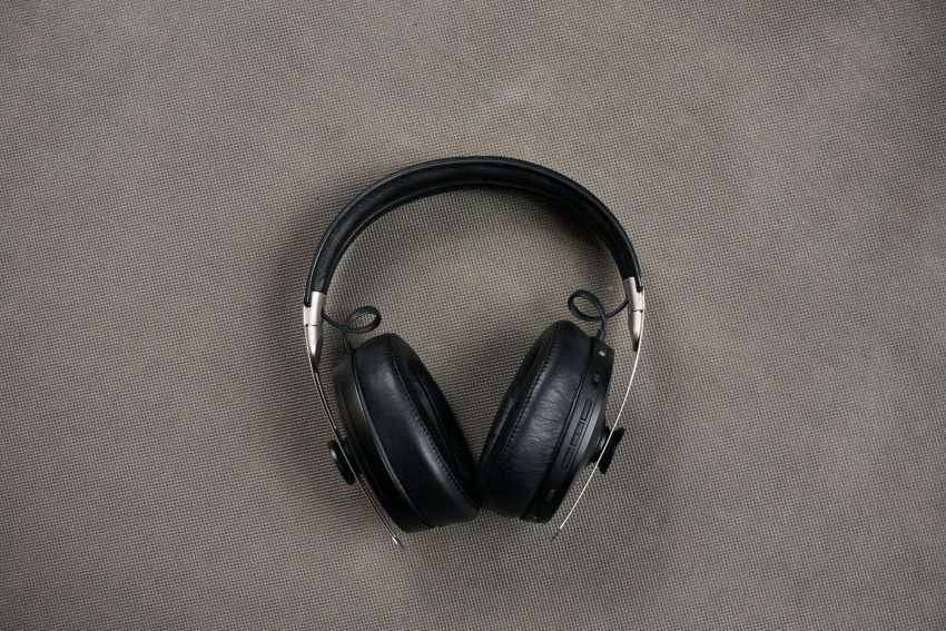 Recenzja Sennheiser Momentum Wireless - niemieckim inżynierom dźwięku progres nie jest obcy 19 Sennheiser Momentum Wireless