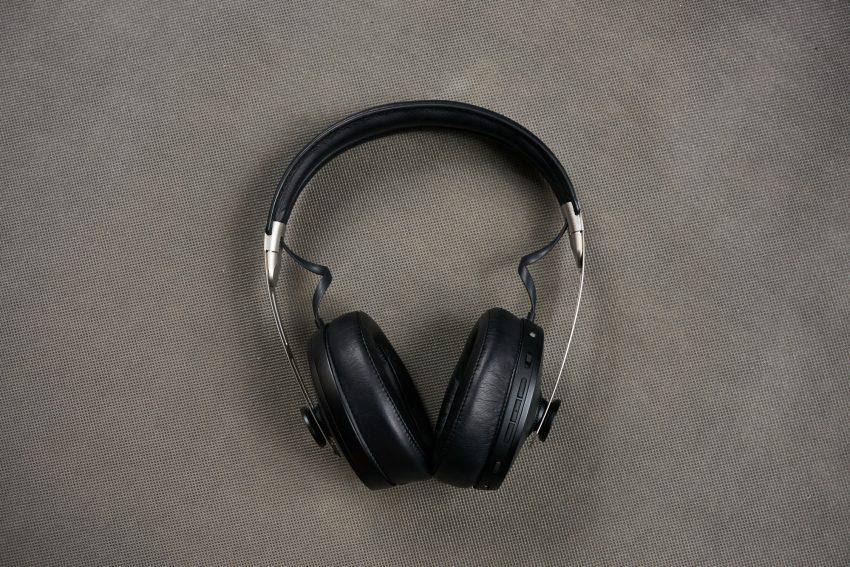 Recenzja Sennheiser Momentum Wireless - niemieckim inżynierom dźwięku progres nie jest obcy 20 Sennheiser Momentum Wireless