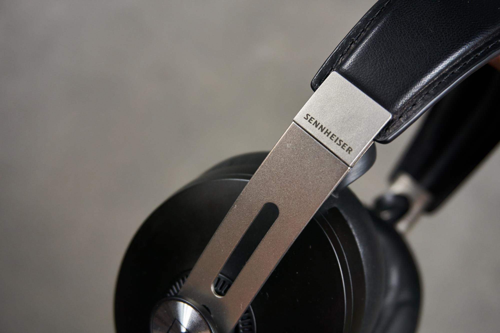 Recenzja Sennheiser Momentum Wireless - niemieckim inżynierom dźwięku progres nie jest obcy 21 Sennheiser Momentum Wireless