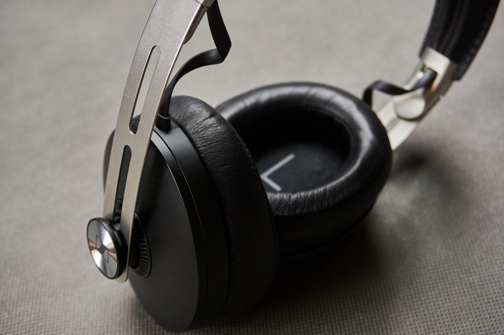 Recenzja Sennheiser Momentum Wireless - niemieckim inżynierom dźwięku progres nie jest obcy 45