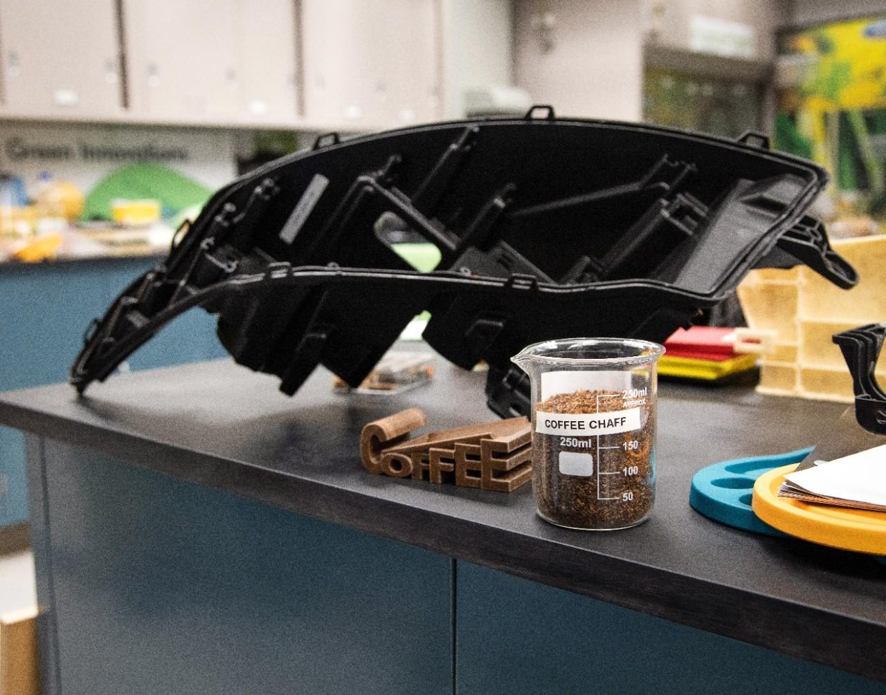 Ford wykorzysta odpady kawowe z McDonald's w swoich samochodach 18