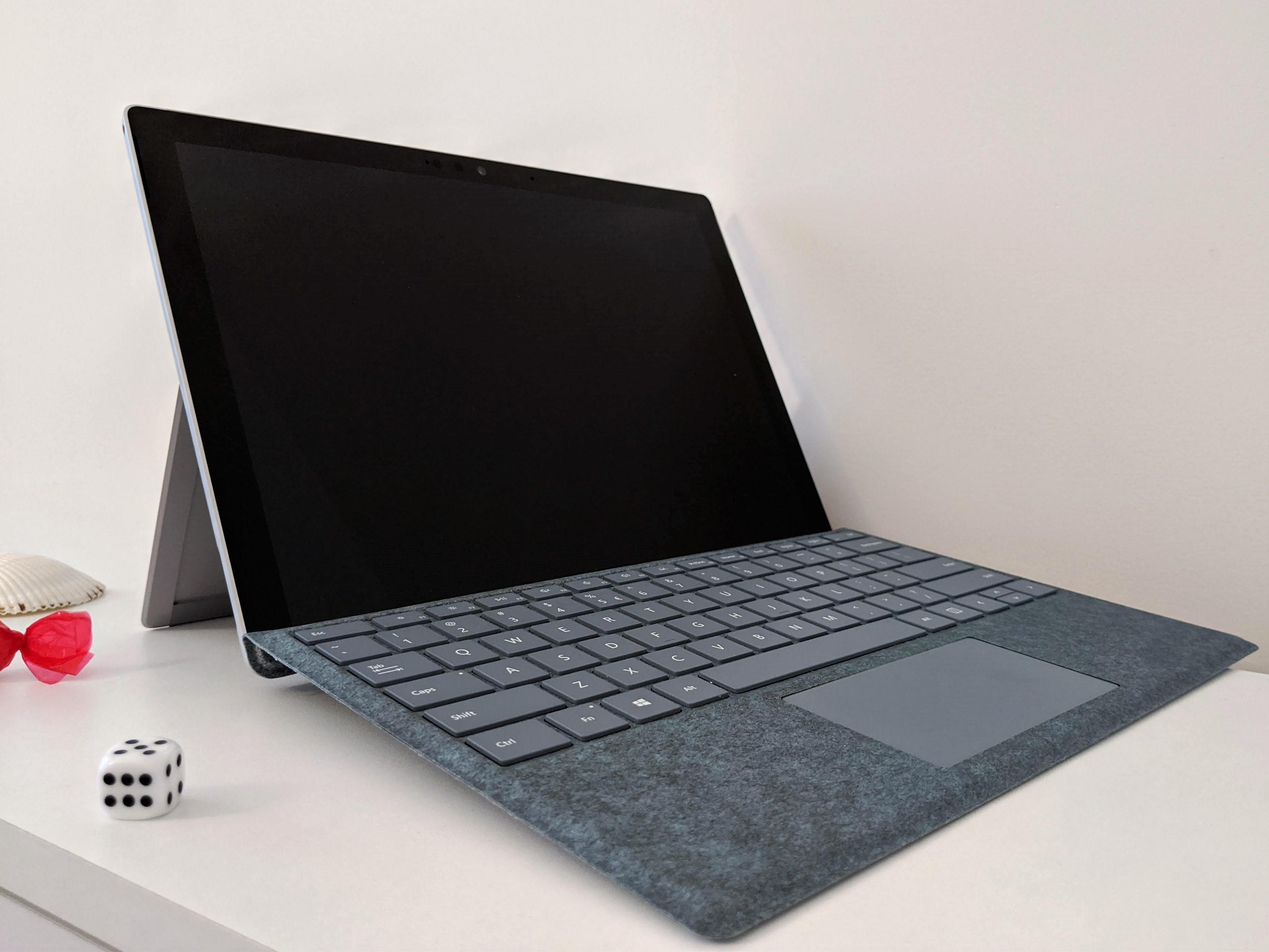 Microsoft Surface Go 2 z procesorami Amber Lake? 16