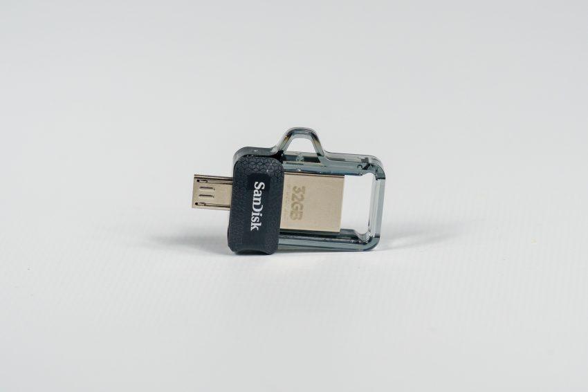 Jak wymieniać dane między PC a smartfonem, korzystając z pendrive'ów SanDisk? 44