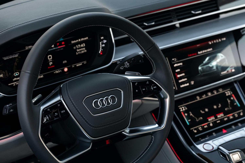 Audi rozważa pozbycie się przycisków i pokręteł. Przyszłość to ekrany dotykowe 22