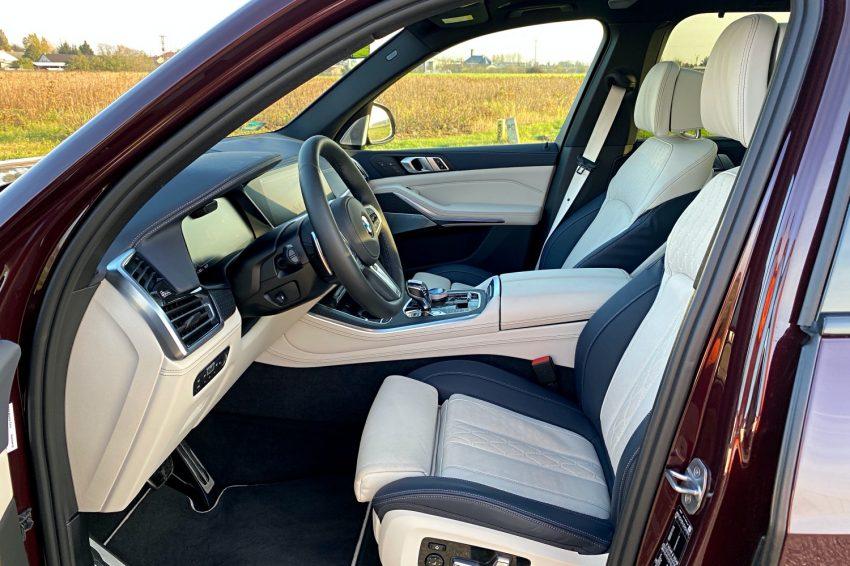 Jeździłem BMW X5 - potężny SUV, który sam wyjedzie ze ślepej uliczki (test) 43