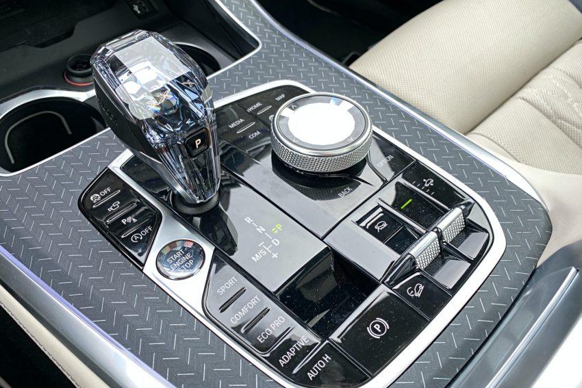 Jeździłem BMW X5 - potężny SUV, który sam wyjedzie ze ślepej uliczki (test) 21