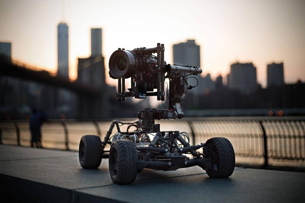 """DJI mierzy się z pomysłem zbudowania """"naziemnego drona"""" 19"""