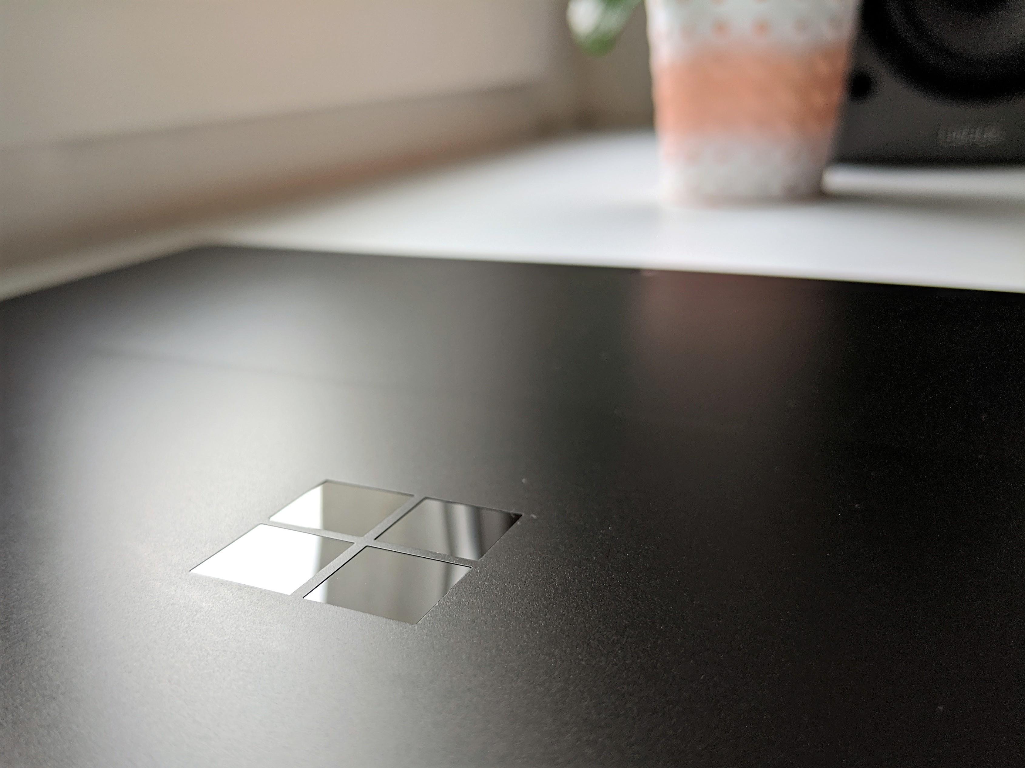 Microsoft w tym roku wprowadzi na rynek odświeżonego Surface Pro X oraz nowy laptop z serii Surface