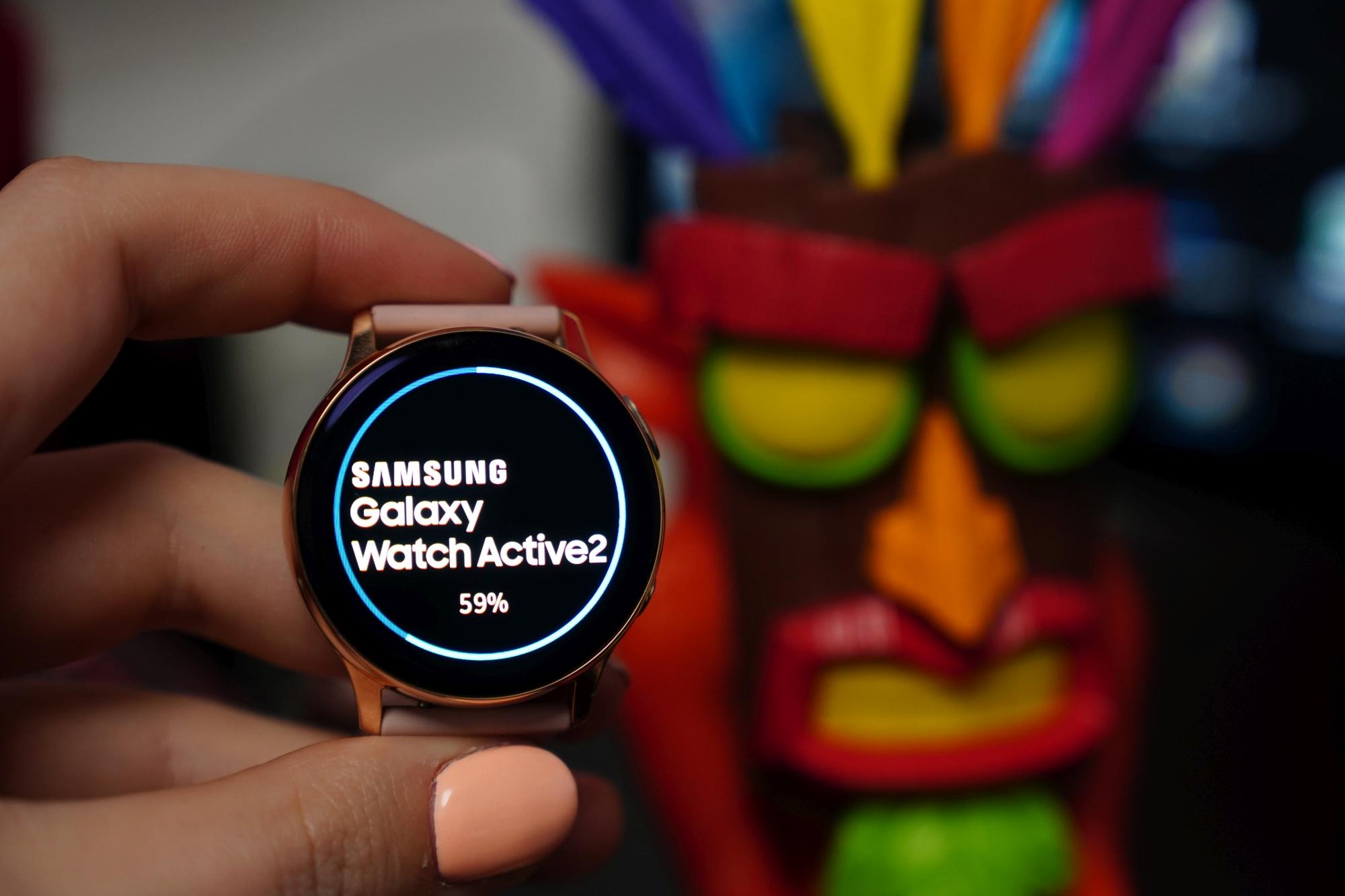 Samsung Galaxy Active 2 z aktualizacją dla użytkowników WhatsApp 19