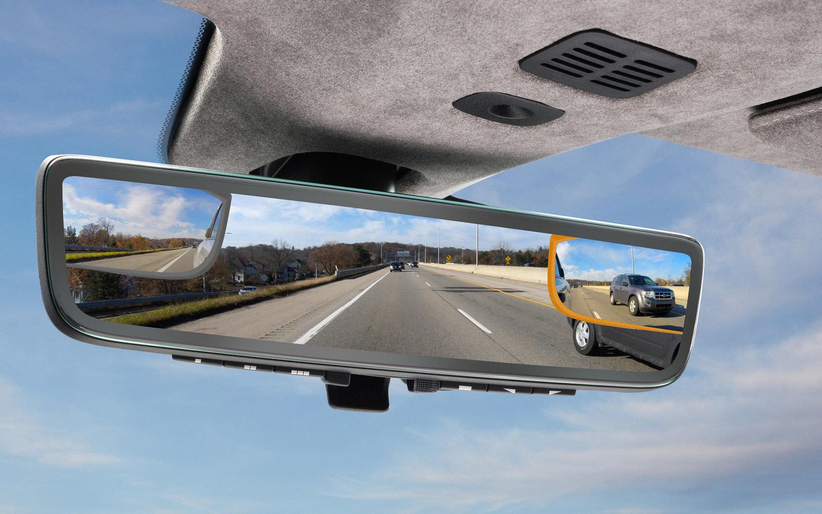 Aston Martin pokaże lusterko wsteczne integrujące obraz z trzech kamer 20